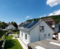 Haus mit Solarthermieanlage